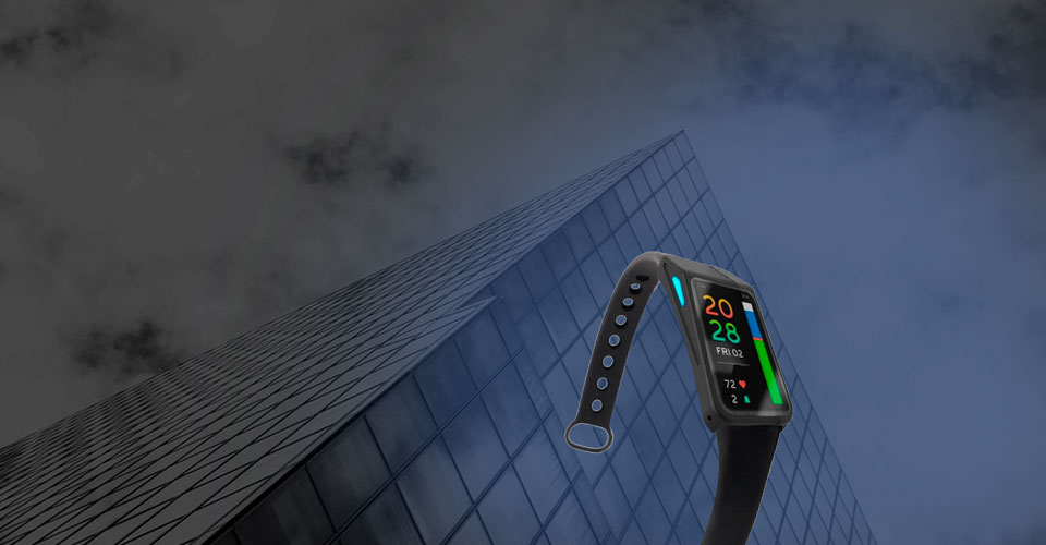 Ученый из Новосибирска разработал умные часы, благодаря которым водитель не уснет за рулем